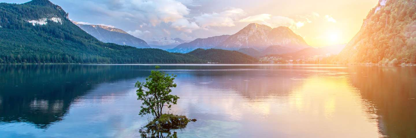 Alpen_See_Sonnenuntergang_GettyImages.new